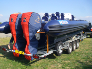 Evinrude E0Tec 200hp Outboard storage and towing covers.